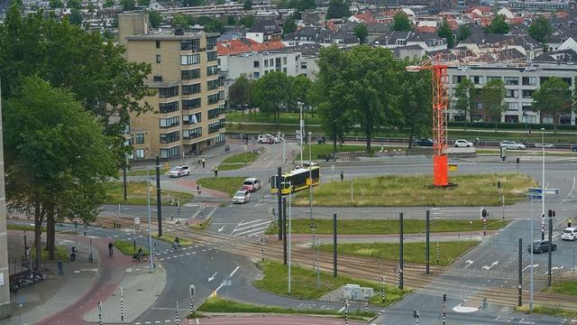 Verdacht pakket op Graadt van Roggenweg in Utrecht blijkt lege koffer