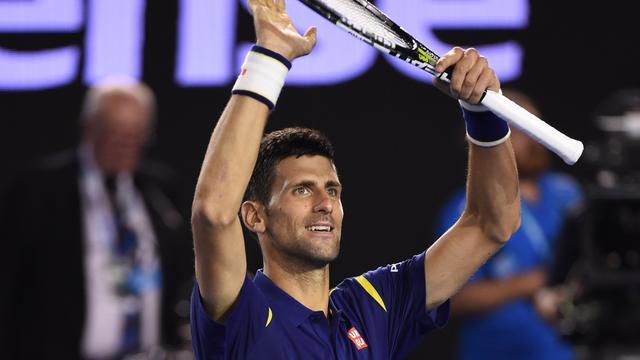 Djokovic verslaat Nishikori en treft Federer in halve finales Australian Open