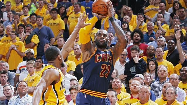James leidt Cavaliers naar historische comeback in NBA-playoffs