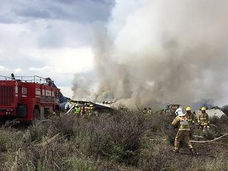 Toestel crashte vlak na vertrek, 85 mensen raakten gewond