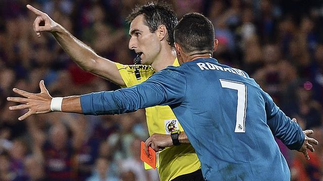 Ronaldo riskeert lange schorsing voor duwen scheidsrechter