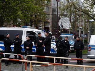 Groep van honderd betogers probeerde politiecordon te verbreken