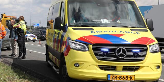 A4 richting Amsterdam dicht door ongeluk met motorrijder