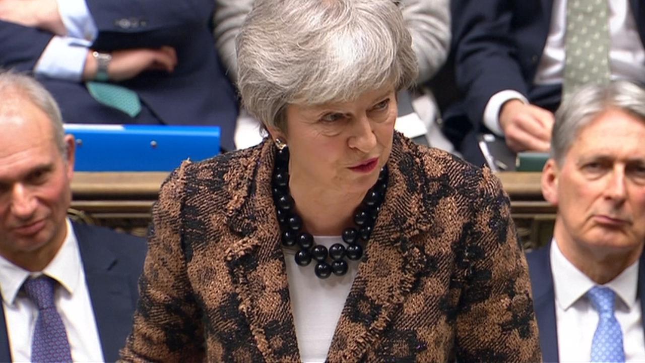 May: 'We zullen flexibeler zijn richting parlement'