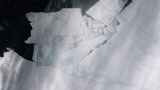 IJsberg zo groot als Vlieland breekt af van Antarctica