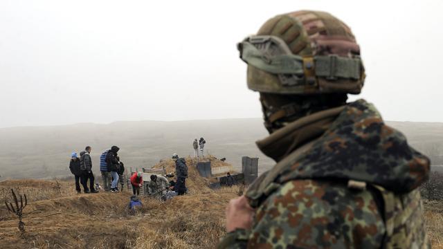 NAVO-chef roept Rusland op tot vrijlating van Oekraïense bemanning