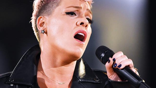 Pink en Panic! at the Disco maken covers soundtrack Greatest Showman