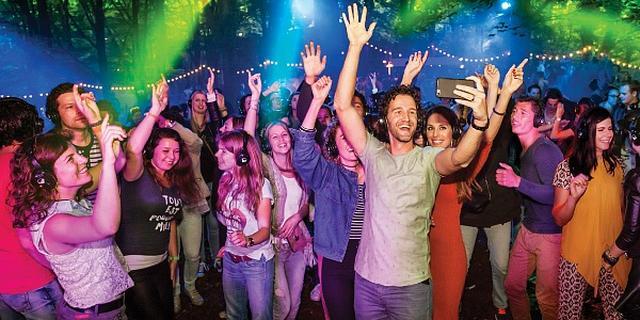 Stille disco's: 'Feesten kan op elke plek, zonder geluidsoverlast'