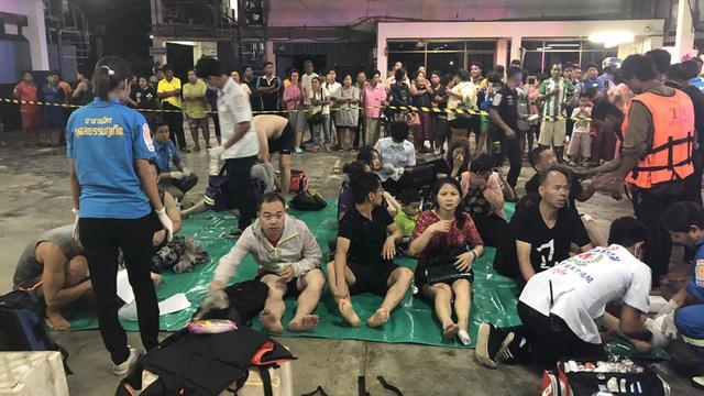 Tientallen opvarenden vermist na kapseizen boot in Thailand