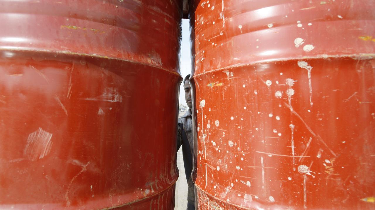 Economen ABN AMRO zien olieprijs sneller oplopen dan gedacht