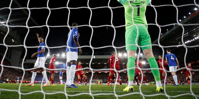 Keeper Pickford zegt sorry tegen Everton-fans na 'bizar incident'
