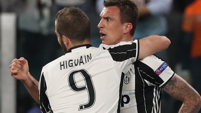 Mandzukic schiet Juventus op voorsprong