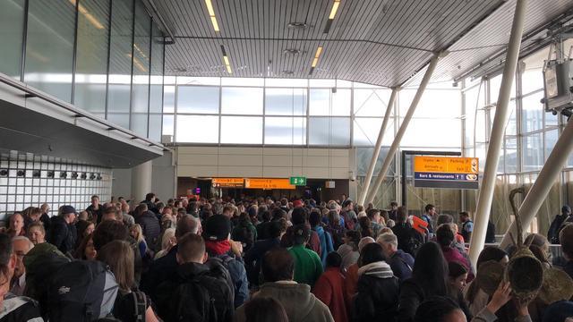 Grote stroomstoring Schiphol verholpen, vliegverkeer nog gehinderd