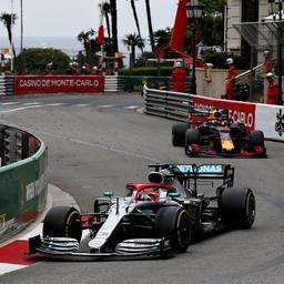 Verstappen eindigt na tijdstraf als vierde, Hamilton wint in Monaco