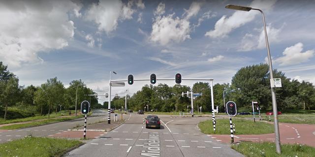 Fietser geschept door automobilist op Middelweg in Zwolle