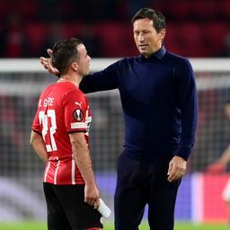 Schmidt teleurgesteld na gelijkspel PSV: 'We verdienden de overwinning'