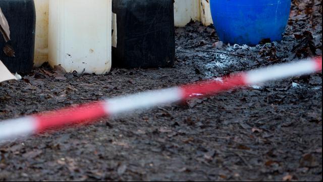 Afval van drugslab gevonden in Hoevense bouwkeet