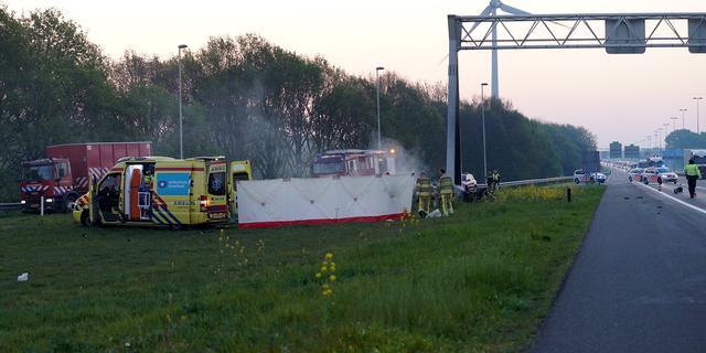 Vier mensen omgekomen bij eenzijdig ongeval op A1 bij Deventer