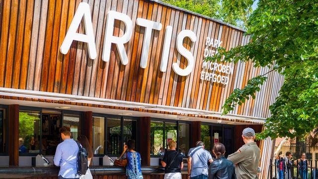Wethouder Moorman in gesprek met Artis over blowende bezoekers