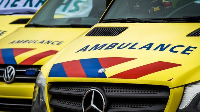 Politieman zwaargewond na aanrijding in Den Haag