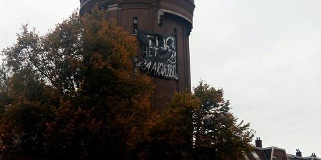 Amsterdamsestraatweg tijdelijk afgezet door kraakactie Watertoren