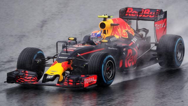 Verstappen met twee manoeuvres in finale verkiezing beste inhaalactie