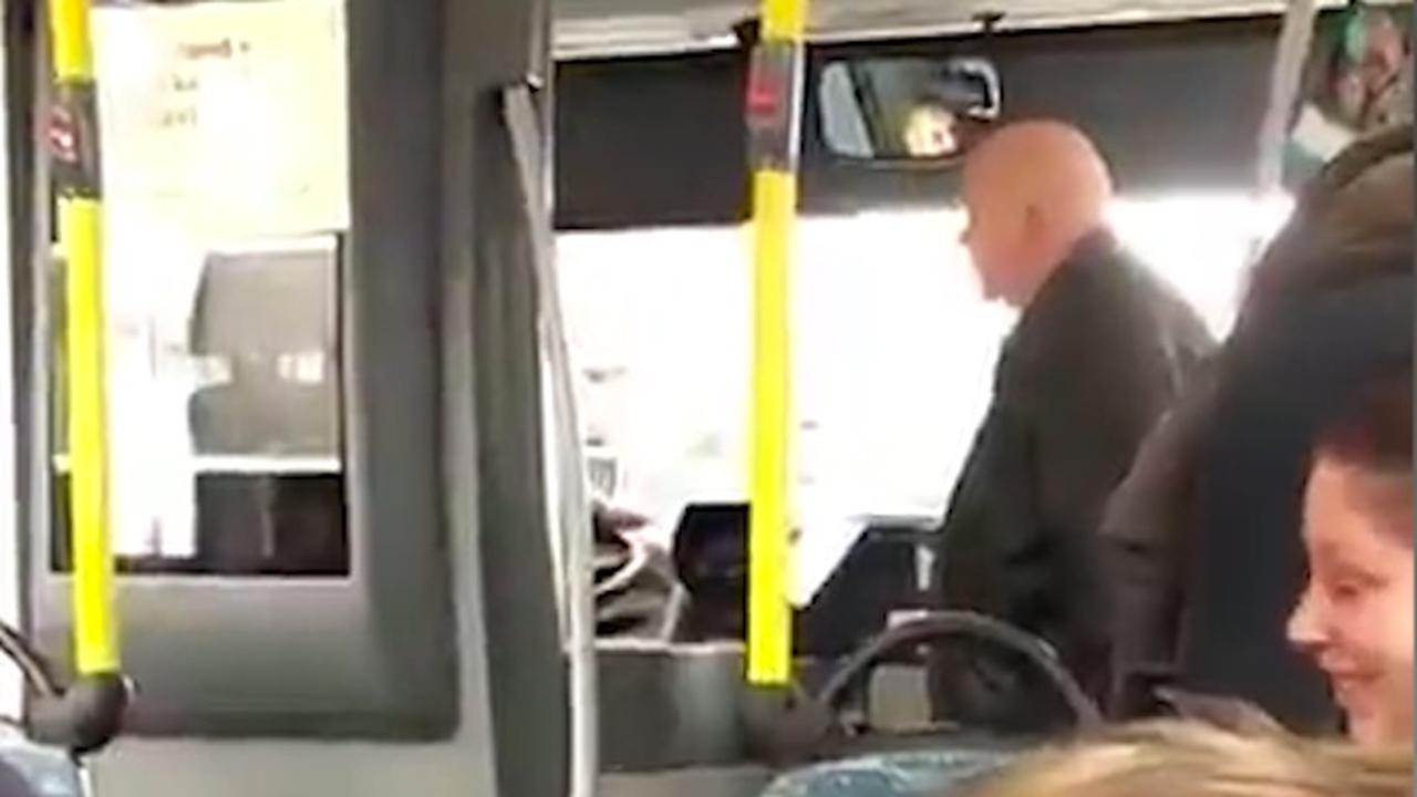 'Passagier wordt boos op buschauffeur'