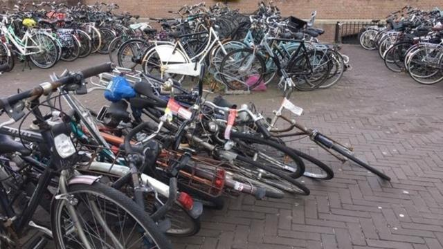 Honderd foutief gestalde fietsen verwijderd op Stationsplein Roosendaal