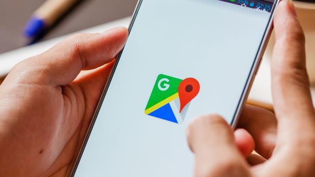 Google Maps toont snelheidslimieten en flitsers in app