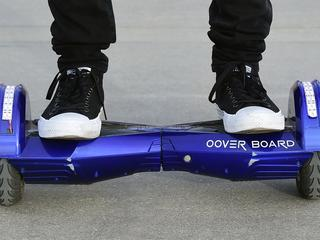 Sommige verzekeraars betalen alleen bij lage snelheid op hoverboard