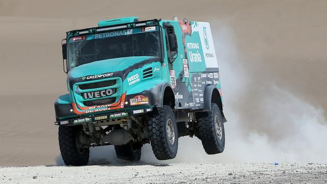 Trucker Van Genugten zorgt voor eerste Nederlands succes in Dakar Rally
