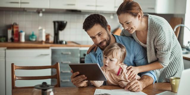 Geldzorgen in het gezin? 'Bespreek ze, maar beleg geen familievergadering'