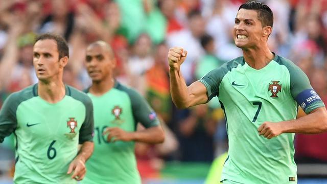 Trefzekere Ronaldo verbreekt twee records in zeventiende EK-wedstrijd