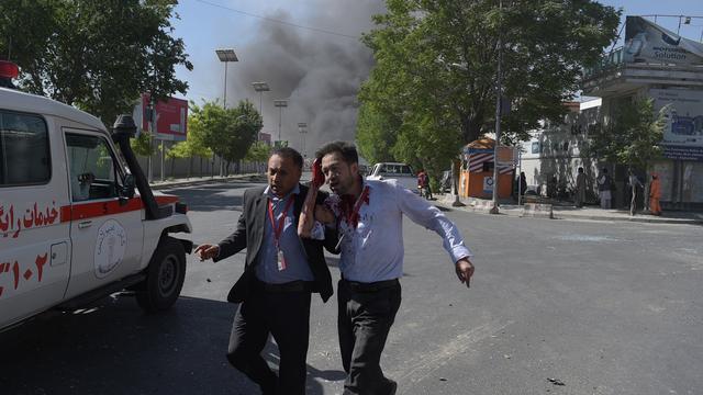 Dodental aanslag Kabul loopt op tot 150
