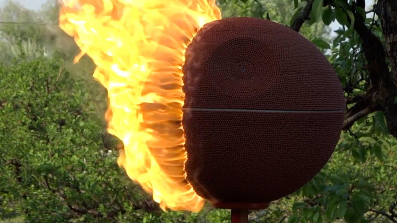 Man verbrandt Star Wars-ontwerp van 58.000 lucifers