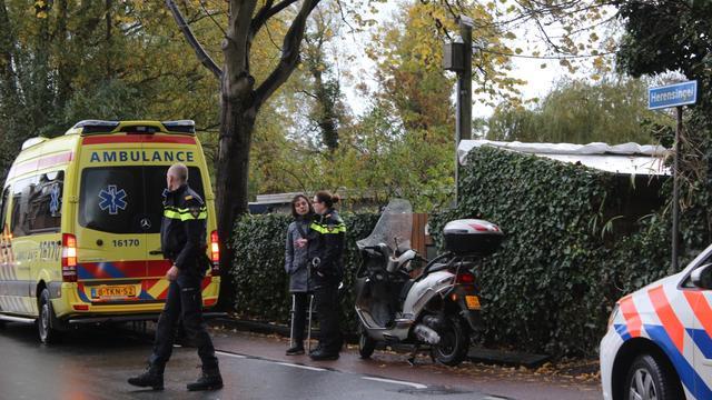 Gewonde bij botsing tussen scooter en fiets