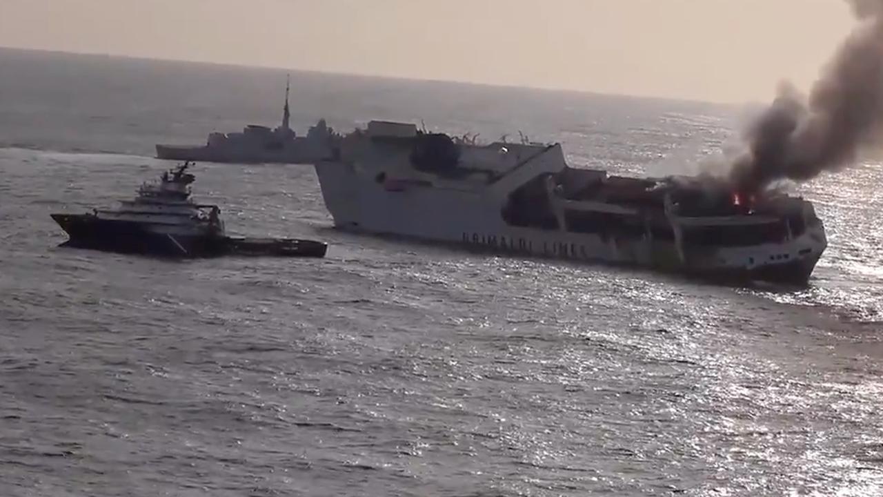 Groot oliespoor bedreigt Bretonse kust na zinken van vrachtschip