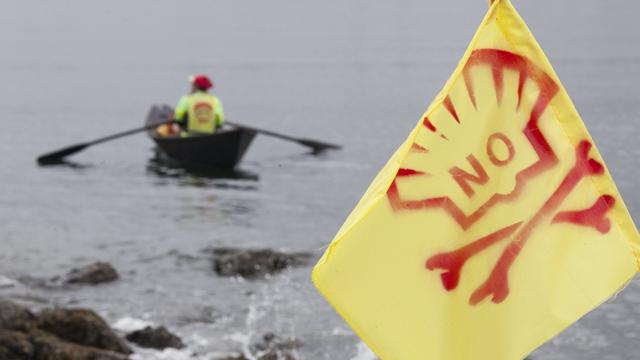 Demonstranten willen platform Shell stoppen