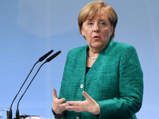 Overleg Oekraïne verloopt volgens Merkel 'zeer, zeer moeizaam'