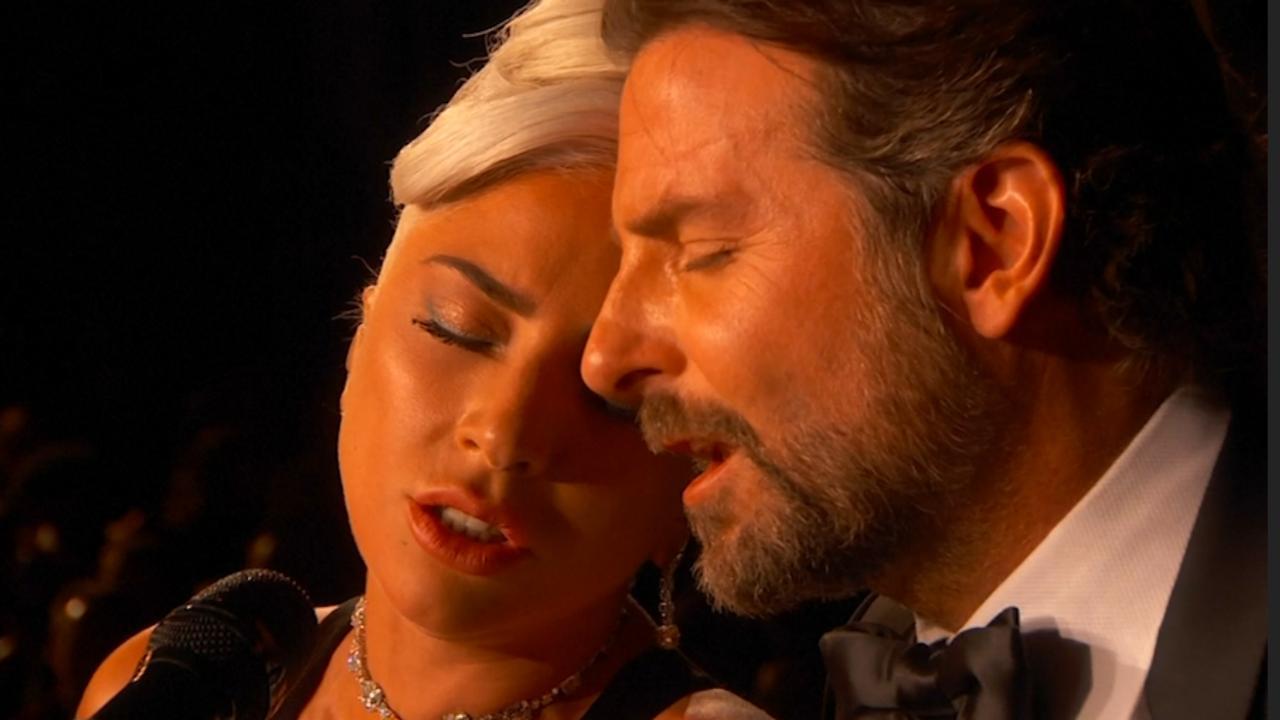 Bekijk hier het optreden van Lady Gaga en Bradley Cooper