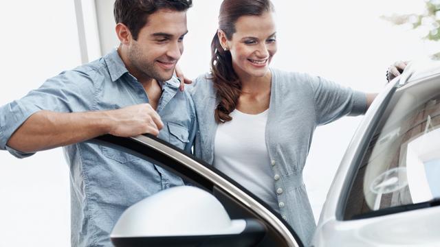 Vijf tips voor bij het onderhandelen over een auto