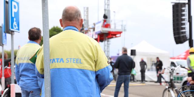 Tata Steel en vakbonden weer om de tafel na wekenlange stakingen