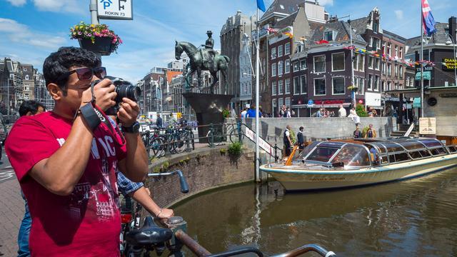 Amsterdam telt 191 toeristenzaken in centrum
