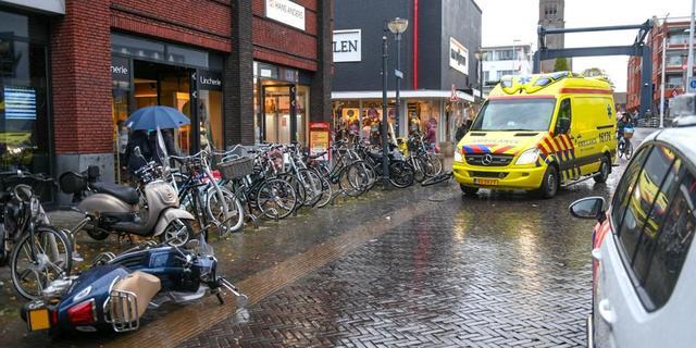 Botsing tussen scooter en fietser op Van Boetzelaerstraat