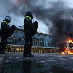 Relschoppers richten ravage aan in Eindhovense binnenstad na demonstratie