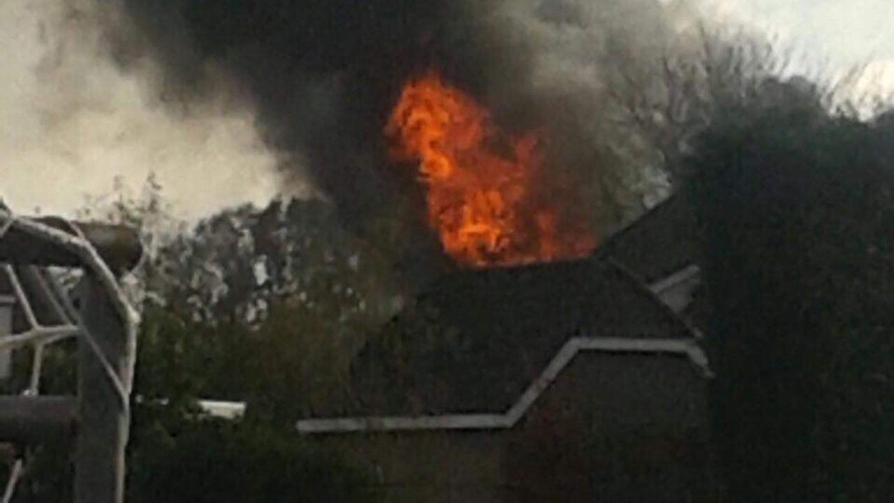 Grote brand in loods in Brabantse Schijf