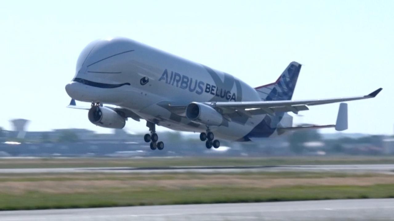 'Walvisvliegtuig' maakt eerste vlucht in Frankrijk