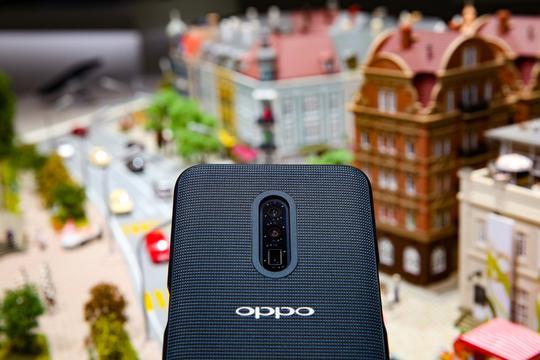 OPPO ontwikkelt cameramodule met 10x optische zoom