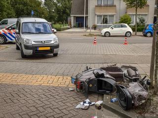 Automobilist zag scooterrijder over het hoofd