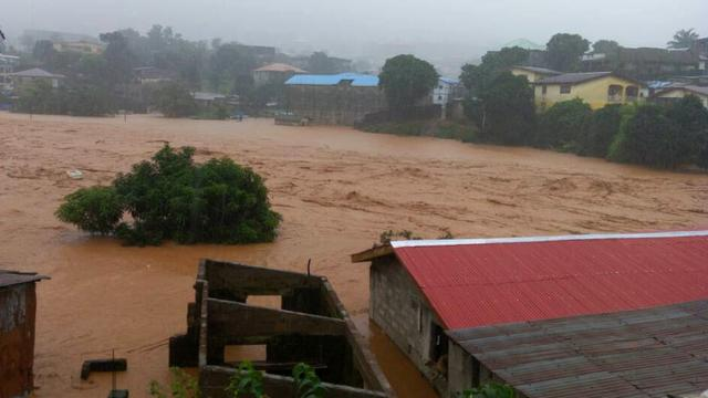 Zeker driehonderd doden door modderstroom in Sierra Leone
